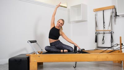 25 Minute Reformer Inner & Outer Thigh by Pilates Barre On Demand