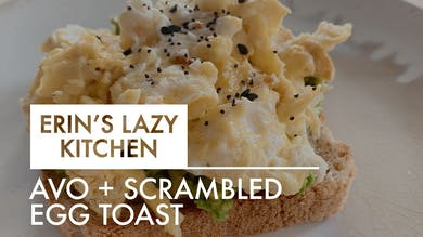 [LAZY KITCHEN] Avo + Scrambled Egg Toast by The Movement