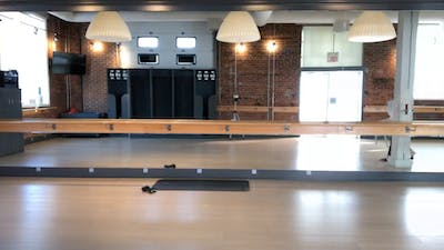 BARRE.SO.HARD with Amber 50 min April 4, 2020 by Barre Body Studio