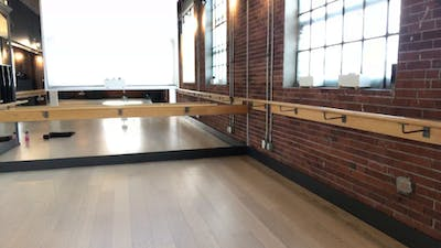 Barre + Core + Stretch with Crystal 45 min April 23, 2020 by Barre Body Studio