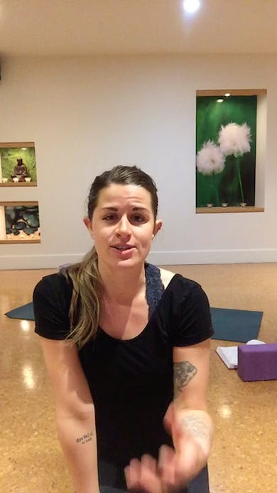 Yoga Flow 45 w/Jamie #V1 by THE ACADEMY On Demand