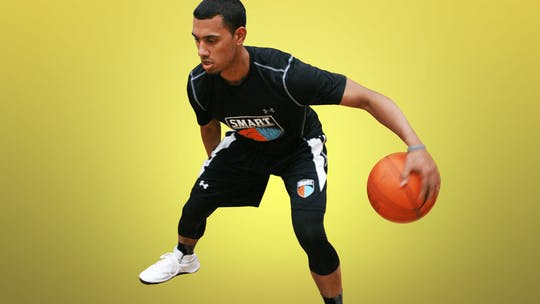 Dribbling by Smart Basketball Training